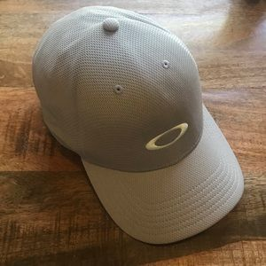 Oakley gray baseball hat cap adjustable custom fit